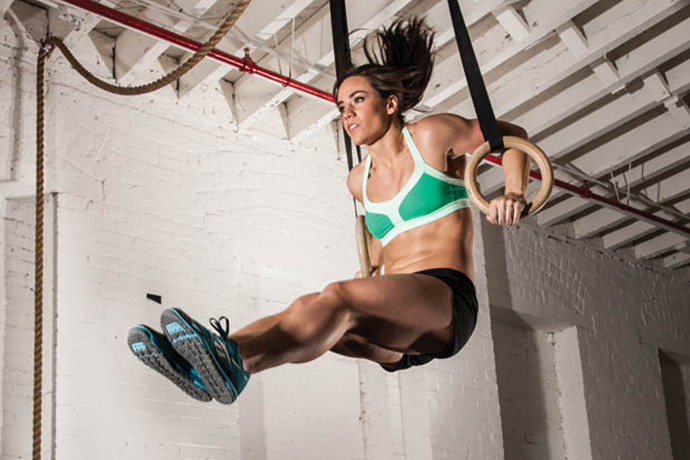 Camille Leblanc Bazinet Muscle Up - CrossFit - Lunges and Lycra
