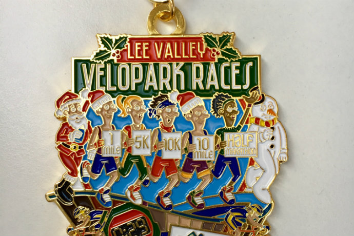 Runthrough christmas medal