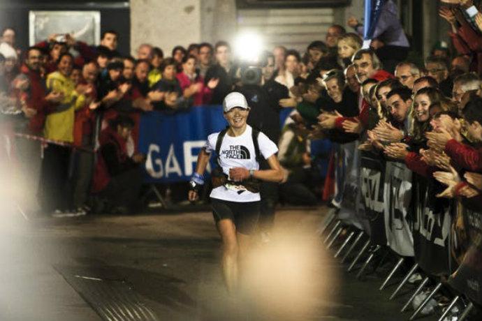 Lizzy Hawker running