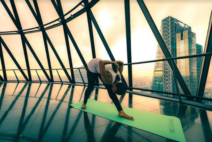 yoga in the gherkin