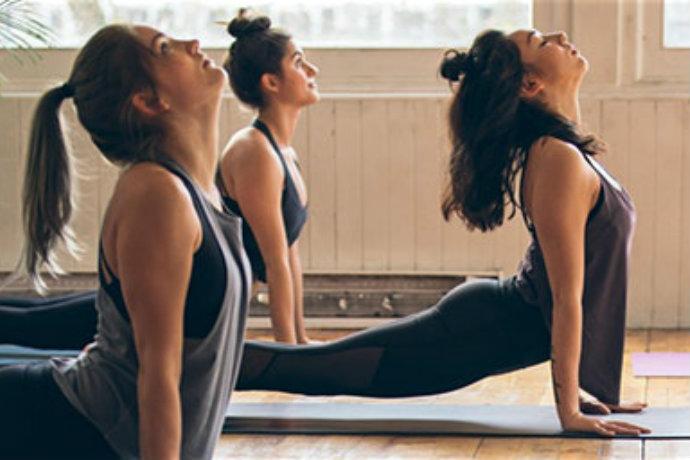 lululemon free yoga class